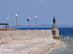 JustGreece.com Monument at kiezelbeach Vrondados - Island of Chios - Foto van JustGreece.com