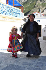 Traditionele klederdracht Olympos Karpathos | Greece  Photo 012 - Photo JustGreece.com