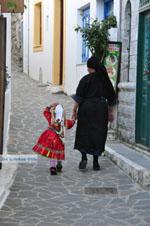 JustGreece.com Traditionele klederdracht Olympos Karpathos | Greece  Photo 018 - Foto van JustGreece.com