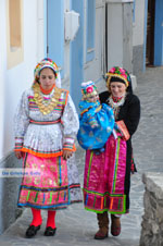 Traditionele klederdracht Olympos Karpathos | Greece  Photo 019 - Photo JustGreece.com