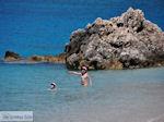 Heerlijk zwemmen in Agios Nikitas - Lefkada (Lefkas) - Photo JustGreece.com
