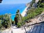 JustGreece.com 350 trappen Egremni beach - Lefkada (Lefkas) - Foto van JustGreece.com