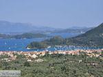 JustGreece.com View to Nidri (Nydri) and the eilanden Skorpios and Meganissi Photo 2 - Lefkada (Lefkas) - Foto van JustGreece.com