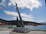 JustGreece.com Pythagoras monument aan The harbour of Pythagorion - Island of Samos - Foto van JustGreece.com