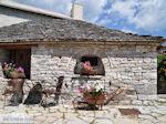 Stenen huisje Monodendri - Zagori Epirus - Photo JustGreece.com