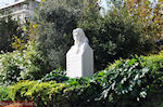 Melina Merkouri monument on de Syggrou Avenue - Photo JustGreece.com
