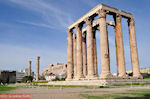 The hoge zuilen of the Zeus Olympius tempel - Photo JustGreece.com