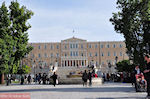 JustGreece.com The Greek Parliament from the Syntagma Square - Foto van JustGreece.com