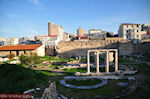JustGreece.com The Romeins forum near Plaka Athens - Foto van JustGreece.com