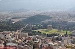 Zo ziet the tempel of Zeus Olympius from Acropolis uit - Photo JustGreece.com