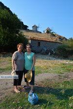 Maria Gritzeli with haar nicht Anastasta in Kontias Limnos (Lemnos) | Greece Photo 4 - Photo JustGreece.com