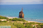 JustGreece.com Ship Wreck Selinitsa near Gythio | Lakonia Peloponnese | 2 - Foto van JustGreece.com