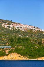 JustGreece.com Glossa and The harbour of Loutraki Skopelos | Sporades | Greece  Photo 2 - Foto van JustGreece.com