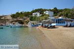 JustGreece.com Achladi, beach in The bay of Vari | Syros | Greece nr 3 - Foto van JustGreece.com